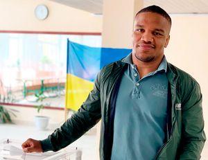 Темнокожий борец выразил желание стать президентом Украины. Он провел параллели с Обамой