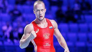 Борец Емелин вел в финале ЧМ 5:0, но отдал золото японцу. У нас только три олимпийские лицензии