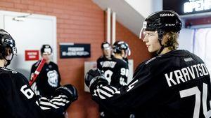 Сменивший Нью-Йорк на Челябинск Кравцов снова забивает в КХЛ. Но атакующий стиль «Трактора» пока не дает результат
