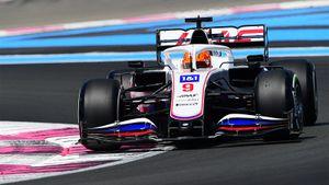 Русский дебютант Формулы-1 Мазепин показал худший результат, но провел лучшую гонку в карьере. Как это возможно