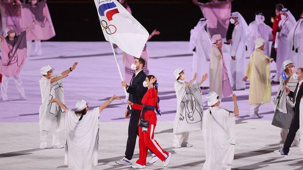 Сборная России приняла участие в параде атлетов на церемонии открытия Олимпиады в Токио