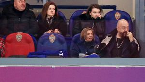 Шуфутинский на матче ЦСКА — «Локомотив»: как он туда попал и за кого болел