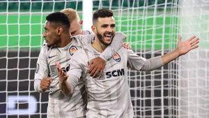 «Шахтер» разгромил «Вольфсбург» за пять минут, «Интер» вышел в четвертьфинал. Главные события Лиги Европы