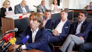 Как обладателя «Золотого мяча» допрашивали в суде. Модричу пришлось отвечать за коррупцию хорватских мафиози