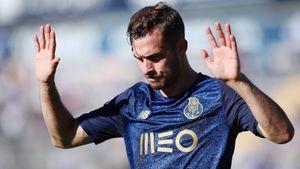Нападающий «Порту» извинился за два гола в ворота бывшего клуба: видео