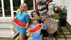 Жена Плющенко Рудковская пожаловалась в СКР на журналистов после публикации о психической болезни сына